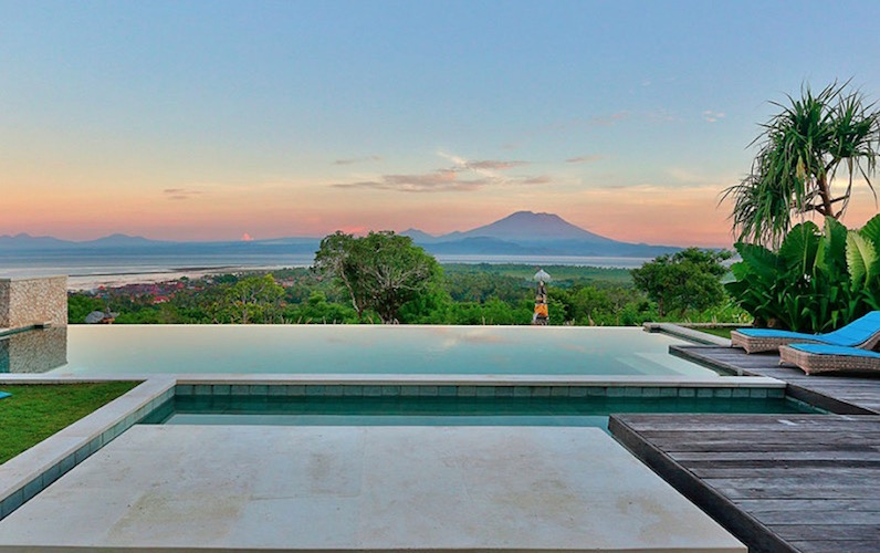 353 Degrees North. Fly away in Feb Sale. The Lembongan Traveller