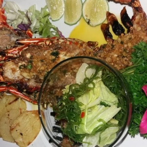Oishii Restaurant, Lembongan restaurants, The Lembongan Traveller, Nusa Lembongan accommodation, Nusa Lembongan Villas, Nusa Lembongan Resorts, Nusa Lembongan hotels, Sandy Bay Villas, Sandy Bay