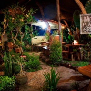 Nicks Place, Lembongan restaurants, The Lembongan Traveller, Nusa Lembongan accommodation, Nusa Lembongan Villas, Nusa Lembongan Resorts, Nusa Lembongan hotels, Sandy Bay Villas, Sandy Bay
