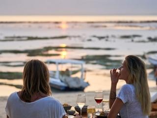 Ohanas Beach Lounge, luxury villa, private villa, , lembongan villas, the Lembongan Traveller, Lembongan Accommodation, Lembongan Resorts, Lembongan Hotels
