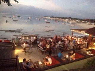 Lembongan Reef Restaurant, luxury villa, private villa, , lembongan villas, the Lembongan Traveller, Lembongan Accommodation, Lembongan Resorts, Lembongan Hotels