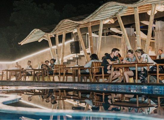 Karana Lembongan, Lembongan Hotels, Lembongan Resorts, Lembongan Bungalows, Lembongan Villas, The Lembongan Traveller, Nusa Lembongan Hotels, Nusa Lembongan Resorts, Nusa Lembongan Bungalows, Nusa Lembongan Villas,